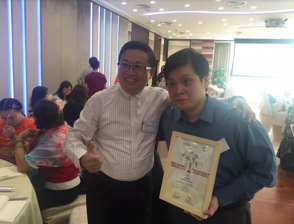 Mr. Jason Ng of iEnterprise received the Award for his outstanding quality customer service.